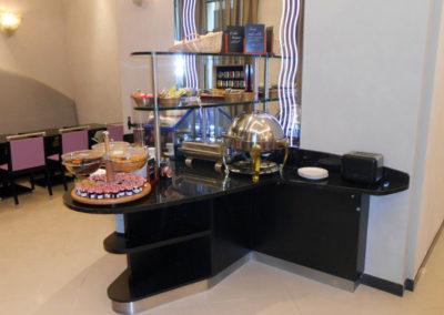 Création d'un meuble de service pour le petit déjeuner